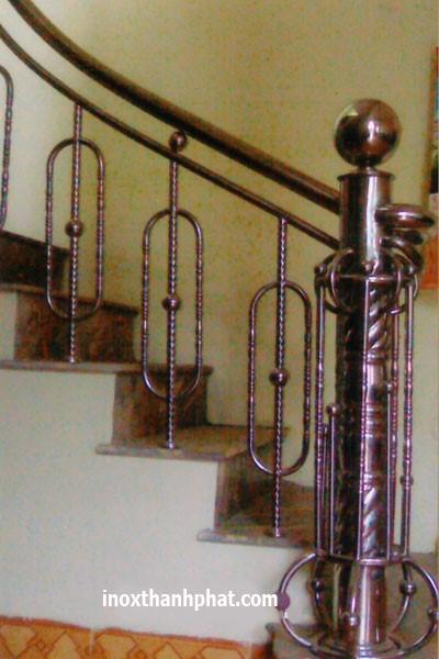 Cầu thang inox 1